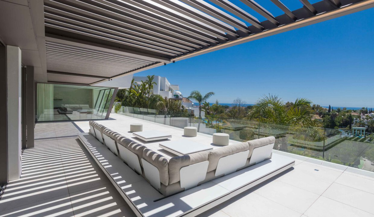 Brand-new-six-bedroom-villa-for-sale-with-sea-and-golf-views-Marbella-West-4913-low