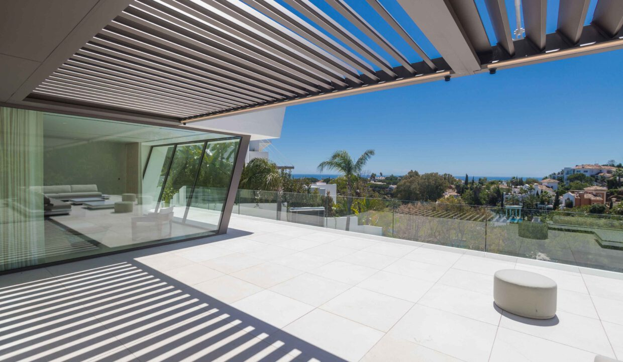 Brand-new-six-bedroom-villa-for-sale-with-sea-and-golf-views-Marbella-West-4917-low