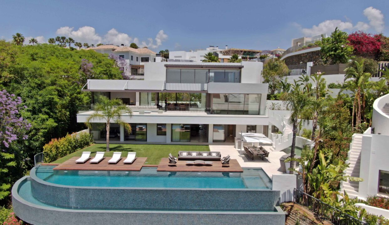 Brand-new-six-bedroom-villa-for-sale-with-sea-and-golf-views-Marbella-West-DJI-405-low