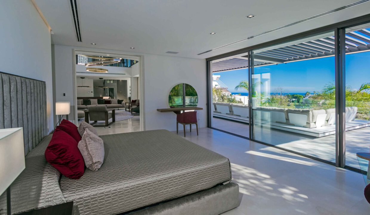 Brand-new-six-bedroom-villa-for-sale-with-sea-and-golf-views-Marbella-West-x5207-low