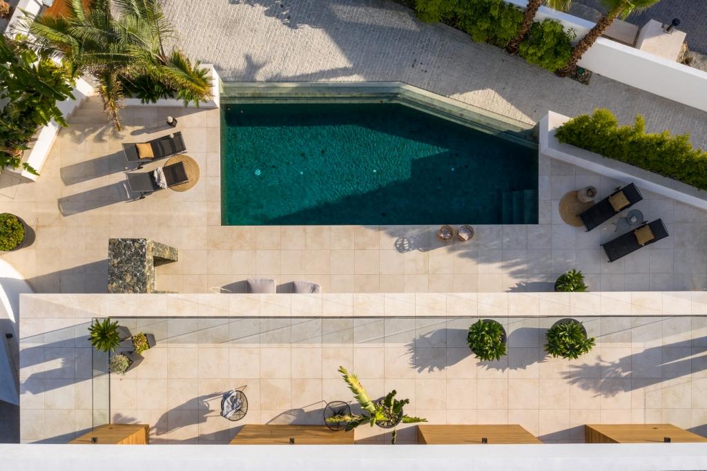 villa 119 overhead close HR Sept 2019